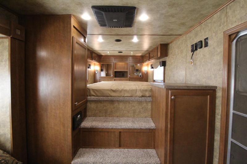 2017 Exiss Endeavor 8414 Glide B - All aluminum - Escape door - Stud Panel - Mangers - Easy Care Flooring - 4 Horse Trailer PRICE REDUCED