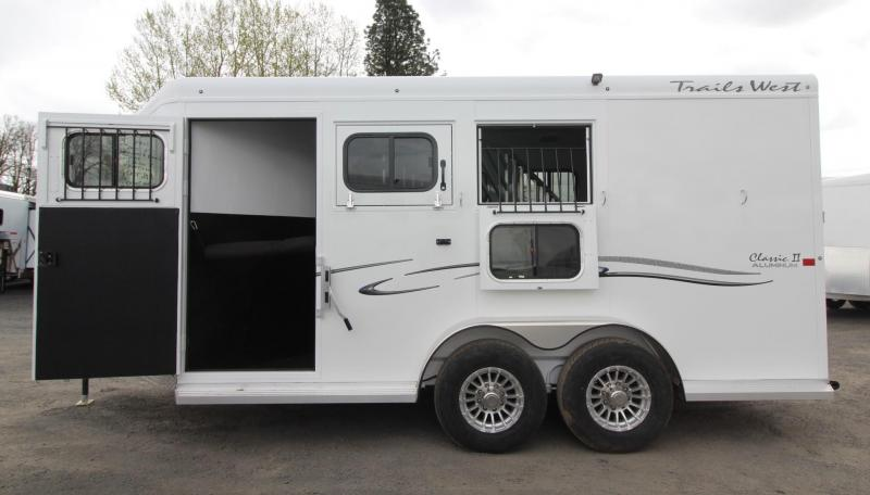 """2019 Trails West Classic 3 Horse Trailer - Escape Door  - Lined and Insulated Roof - 7'6"""" Tall"""