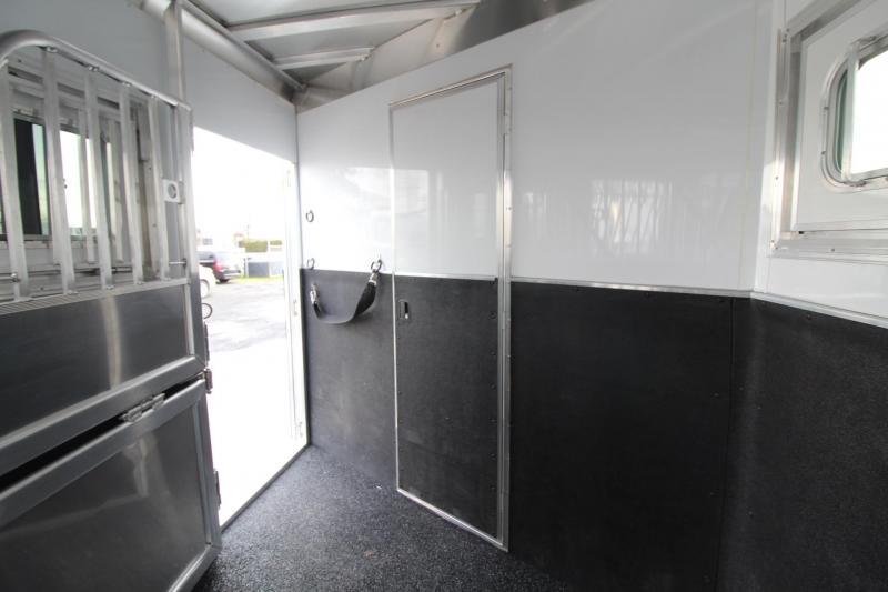 2020 Featherlite 7841 Legend 8ft SW Living Quarters 4 Horse Trailer w/ Tail Side Drop Down Windows