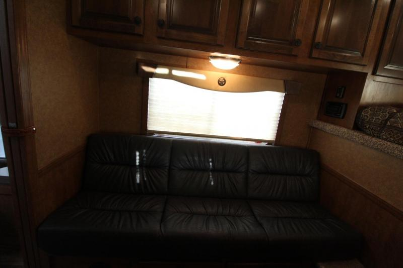 2020 Featherlite 7841 Liberty Legend 8ft SW Living Quarters 7ft wide 3 Horse Trailer Jail Bar Dividers