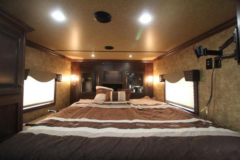 2018 Exiss Endeavor 8410 w/ Slide-out - Generator - Living Quarters 4 Horse Trailer - Easy Care Flooring - All Aluminum - Lined & Insulated Ceiling PRICE REDUCED $6500