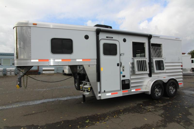 NEW 2019 Exiss Escape 7204 - PRICE REDUCED - 4' Short Wall Living Quarters 2 Horse Trailer - Lined and Insulated Ceiling - Easy Care Flooring - All Aluminum