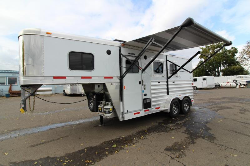 NEW 2019 Exiss Escape 7204 - 4' S.W. Living Quarters 2 Horse Trailer - Lined and Insulated Ceiling - Easy Care Flooring - All Aluminum -REDUCED PRICE