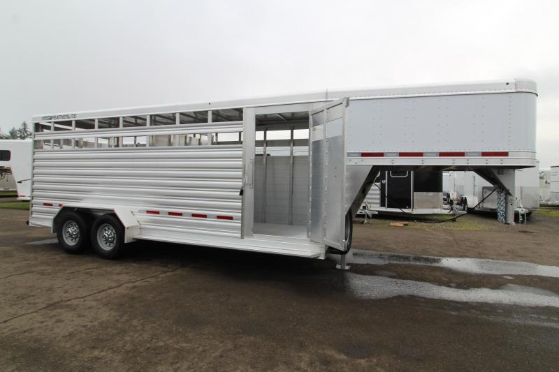 2020 Featherlite 8117 20' Livestock Trailer - All Aluminum - Slider in Rear Gate - Escape Door