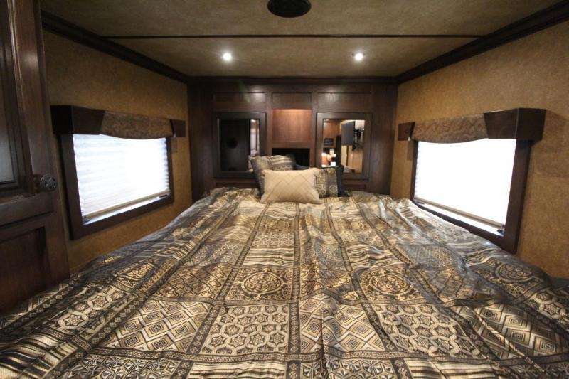2020 Featherlite 7841 Liberty SE 10' Short Wall Living Quarters 4 Horse Trailer Electric Awning Stud Divider Easy Care Flooring