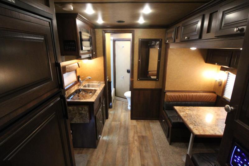 2020 Featherlite 7841 Legend  - 10ft Living Quarters w/ Slide out - Dinette - Easy Care Flooring - Stud Divider -  3 Horse Trailer