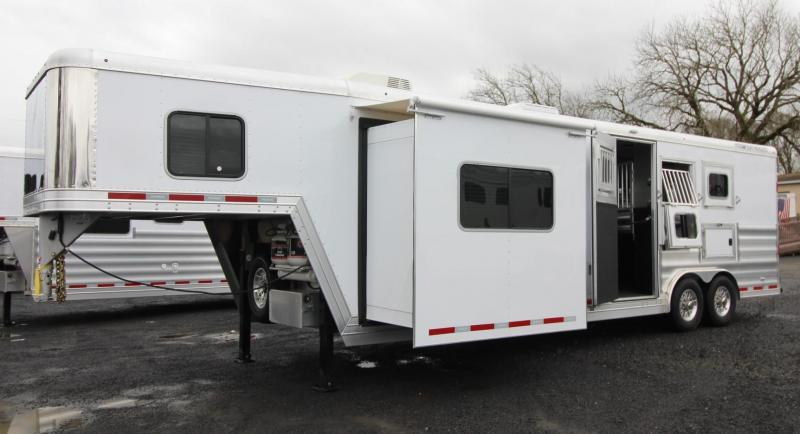 2019 Featherlite 9821 All Aluminum Liberty 11' Short Wall Living Quarters w/ Slide 3 Horse Trailer Generator Ready Easy Care Flooring PRICE REDUCED $8000