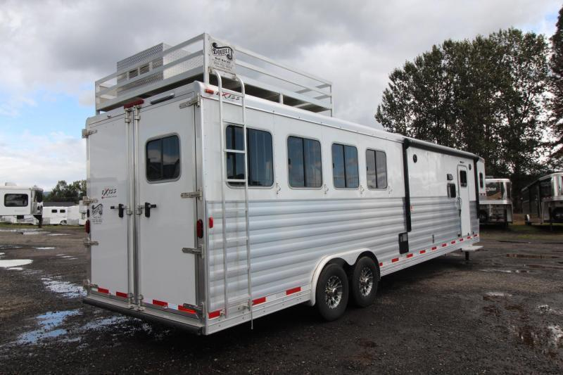 LIKE NEW 2017 Exiss Endeavor 8414 W/ Slide out - PRICE REDUCED $10600! - Hayrack - 14 ft short wall - LIKE NEW!!! 4 Horse Living Quarters Trailer