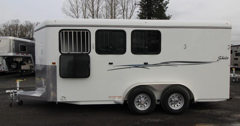 2020 Thuro-Bilt Shilo 3 Horse Trailer - Adjustable Dividers - Swing out saddle rack - Added Foor of Length