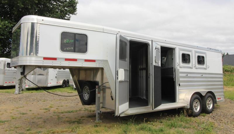 2020 Featherlite 7541 -Aluminum 3 Horse Trailer - Polylast floor - LARGE Dressing Room - Rear Tack PRICE REDUCED