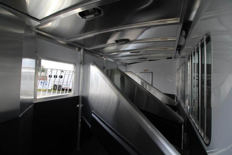 """2019 Exiss Escape 7410 - 10'6"""" Short Wall Living Quarters w/ Slide 4 Horse - Easy Care Flooring - Upgraded Interior PRICE REDUCED $3500"""