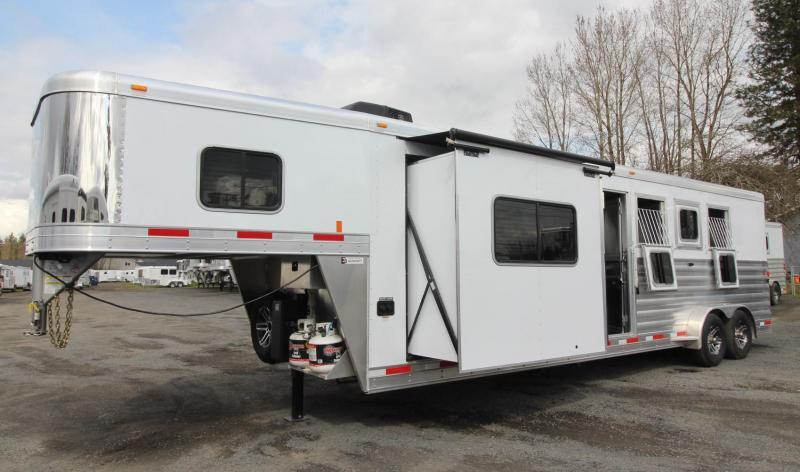"2019 Exiss Escape 7410 - 10'6"" Short Wall Living Quarters w/ Slide 4 Horse - Easy Care Flooring - Upgraded Interior PRICE REDUCED $3500"