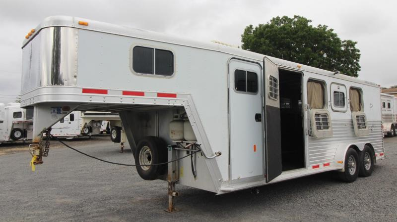 1999 Featherlite Weekender All Aluminum  4 Horse Trailer w/ Escape Door - Rear Tack - 4 Tier Saddle Stand - Mini Fridge - Microwave