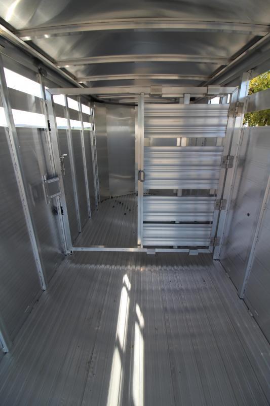 2020 Featherlite 8107 -16' Livestock Trailer - All Aluminum Construction - UPGRADED 7' Height - Rear Sort Door