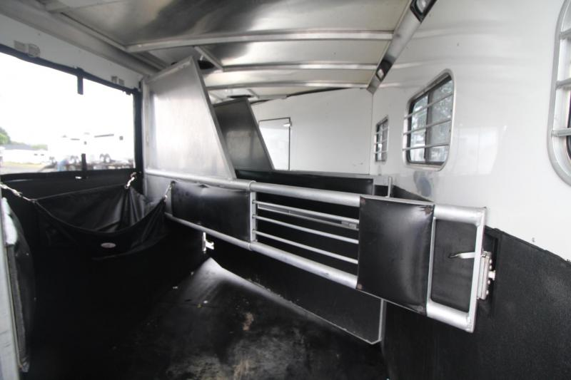 2005 Sundowner Trailblazer III 10' sw Living Quarters 3 Horse Trailer - Stud Divider & Escape Door