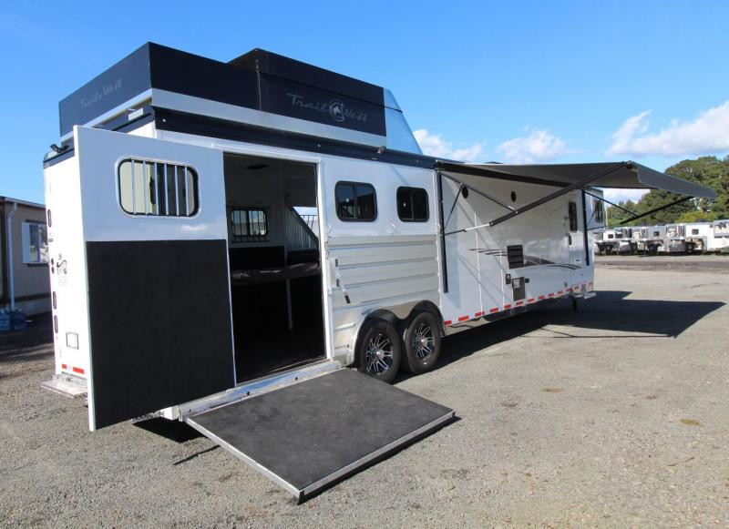2020 Trails West Sierra 15' x 19' Living Quarters - Side Load 3 Horse Trailer HUGE Rear Tack - Hay Pod - Bunk Bed