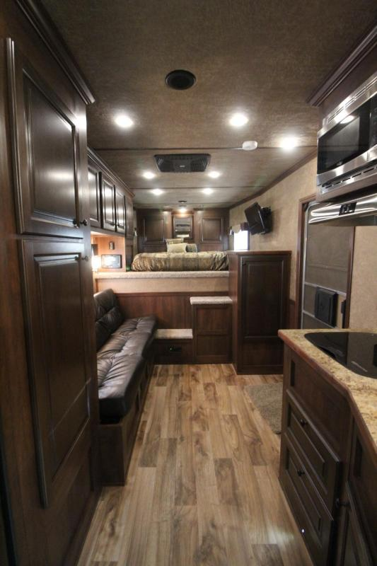 2019 Featherlite 7821 Liberty 13' SW Living Quarters 3 Horse Trailer - 8ft Wide - PRICE REDUCED - All aluminum- Drop down feed doors