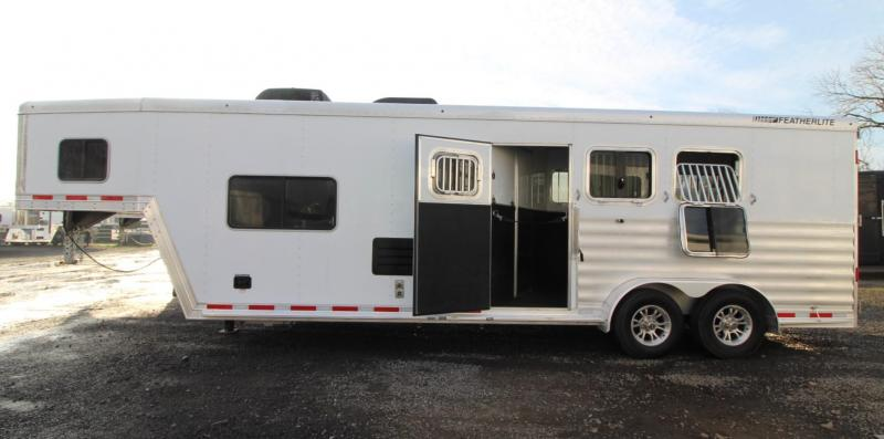 2020 Featherlite 7841 Liberty SE 10ft Sw Living Quarters 3 Horse Trailer Easy Care Flooring Jail Bar Dividers