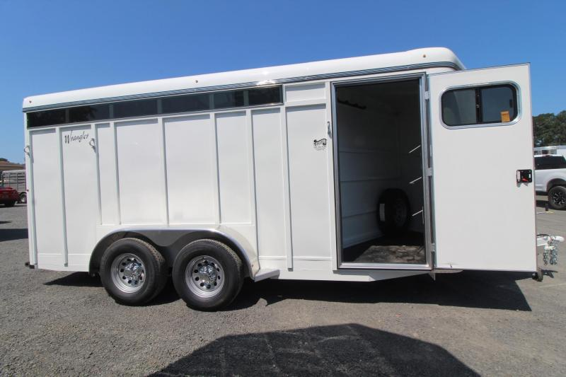 2020 Thuro-Bilt Wrangler Plus 3 Horse Trailer w/ removable plexi  - Sealed tack room - Easy divider catch - Swing out saddle tree