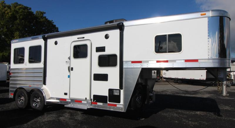New 2019 Exiss Escape 7206 - All Aluminum - 6ft Short Wall L.Q. - 2 Horse Trailer - Lined - Insulated Ceiling - Easy Care Flooring - Price Reduced
