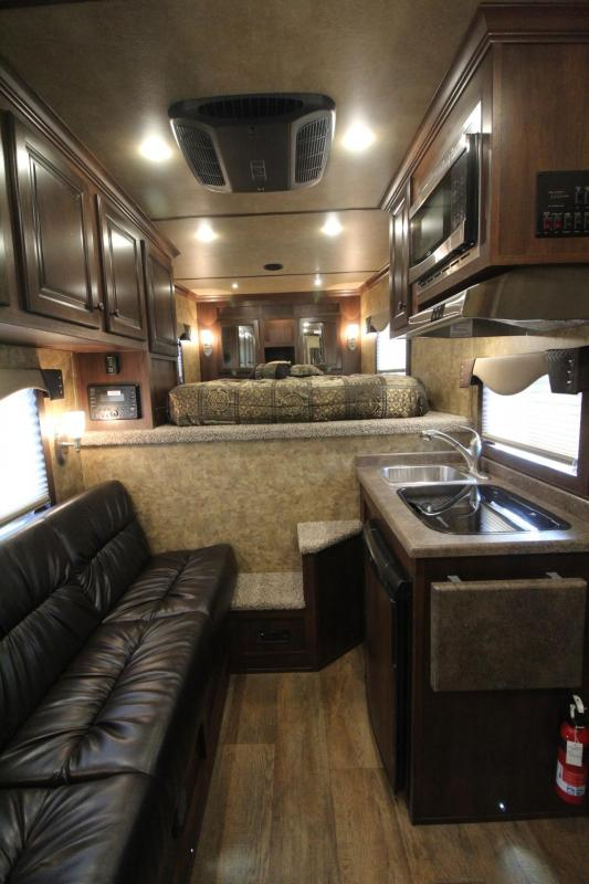 2019 Exiss Trailers 7208 8 Sw Living Quarters 2 Horse