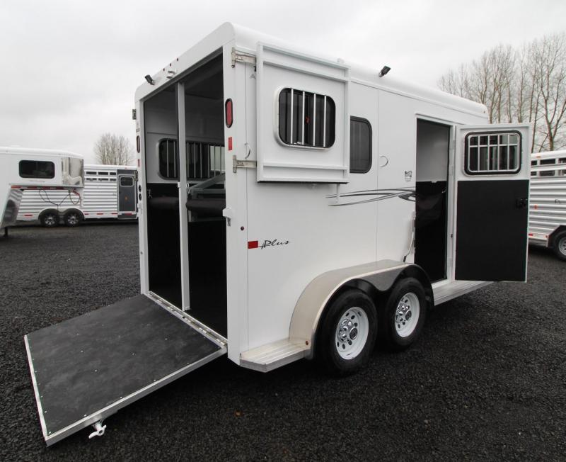 2019 Trails West Royale Plus 2 Horse Straight Load Trailer - Warmblood sized stalls -  Double Escape doors - Convenience package