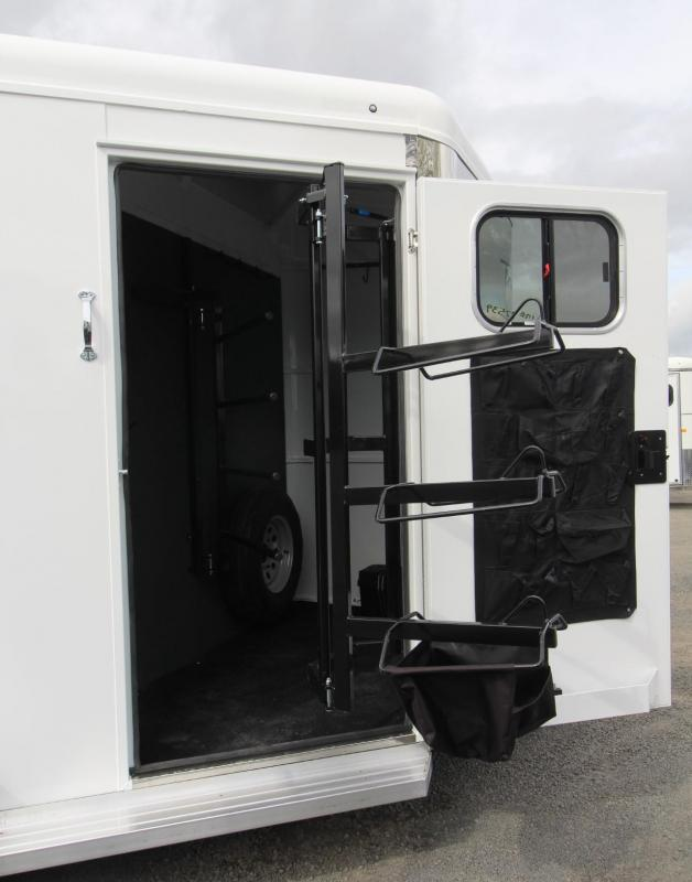 2019 Trails West Sierra II Warmblood - 7'6 Tall - Convenience package - Rubber mats in tack - Drop down feed doors