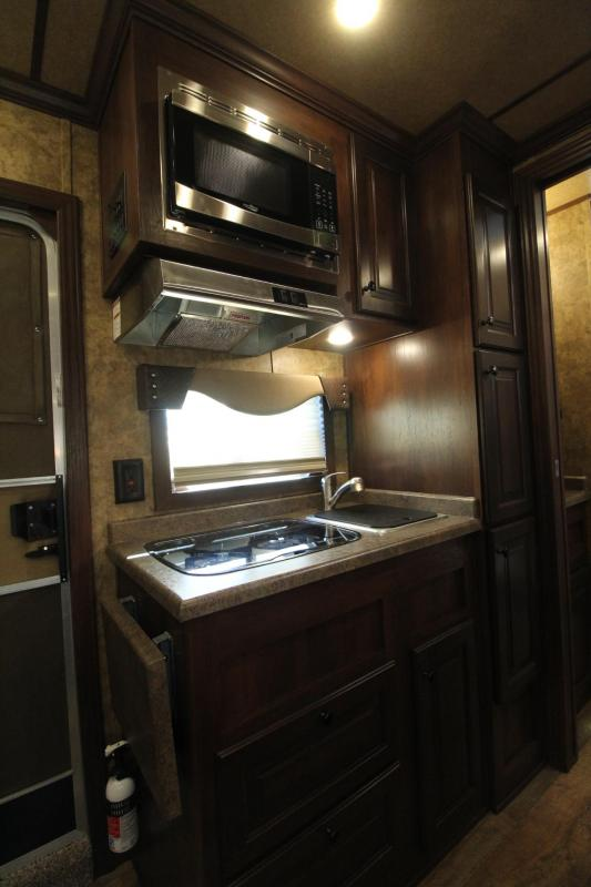 """2019 Exiss Escape 7310 - 10' S.W. Living Quarters 3 Horse Aluminum Trailer - 7'6"""" Tall - Easy Care Flooring - Jail Bar Dividers - Lined & Insulated Ceiling RICE REDUCED $3600"""