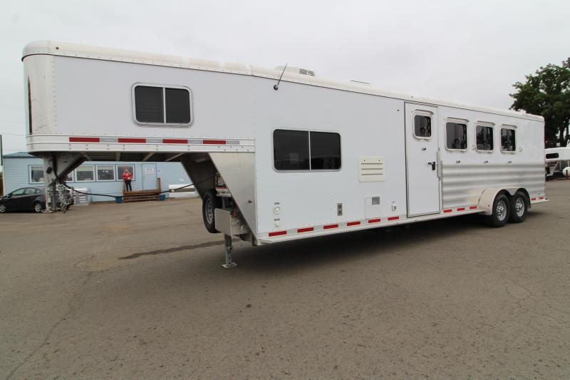 2016 Featherlite 8533 4H 9' SW LQ Horse Trailer - All Aluminum Construction - 7k Rubber Torsion Axles - 9ft Short Wall
