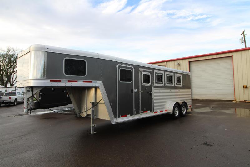 2020 Featherlite 7541 Horse Trailer - PRICED REDUCED