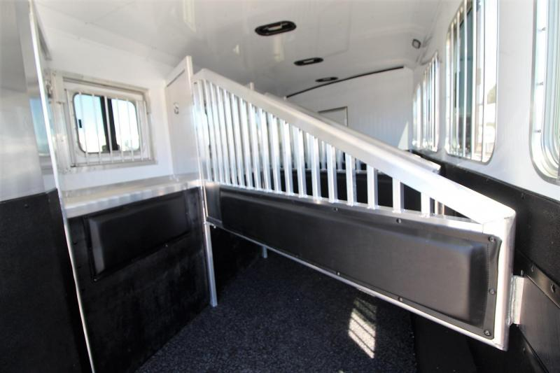2019 Exiss Trailers 8410 4 Horse Trailer - All aluminum - Easy care flooring - Lined and insulated walls and roof
