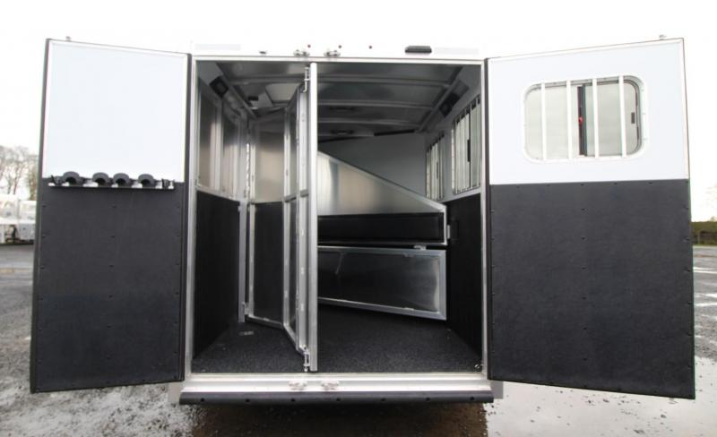 2020 Exiss Trailers 7200 - Large Tack Room 2 Horse Goosneck Trailer - Polylast Floor