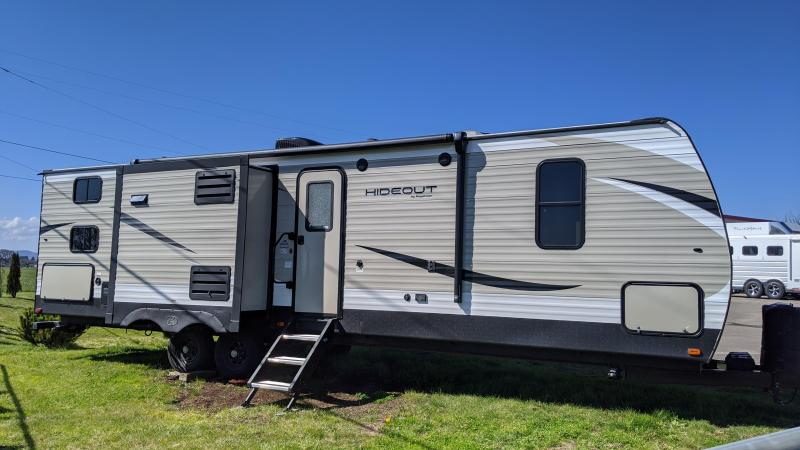 2020 Keystone Hideout Travel Trailer 30BHKSWE-LIKE NEW CONDITION-Central Vacuum System-Check Out This Kitchen!
