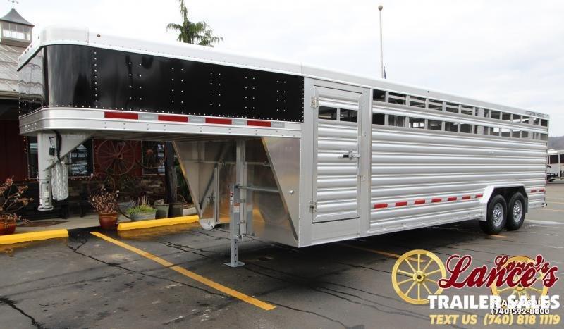 2020 Featherlite 8'x24' Show Cattle Trailer