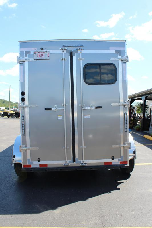 2020 2 Horse Slant Load Trailer with Living Quarters