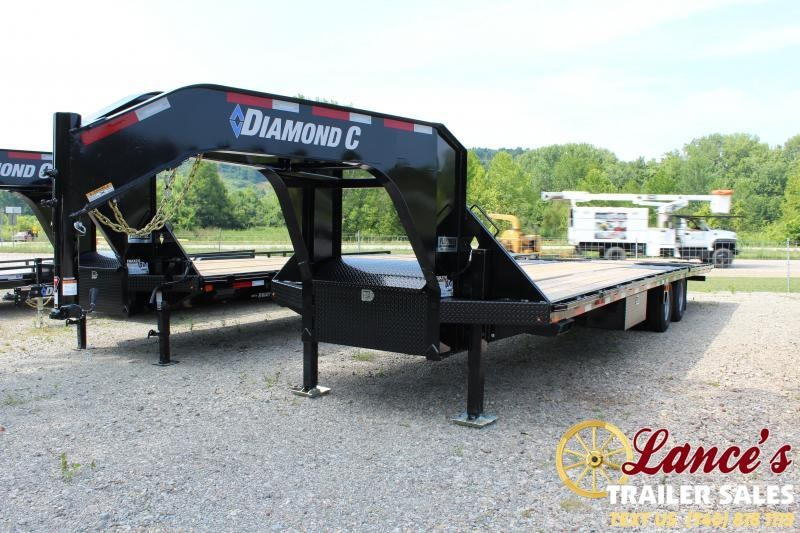 2019 Diamond C 32' Equipment Trailer