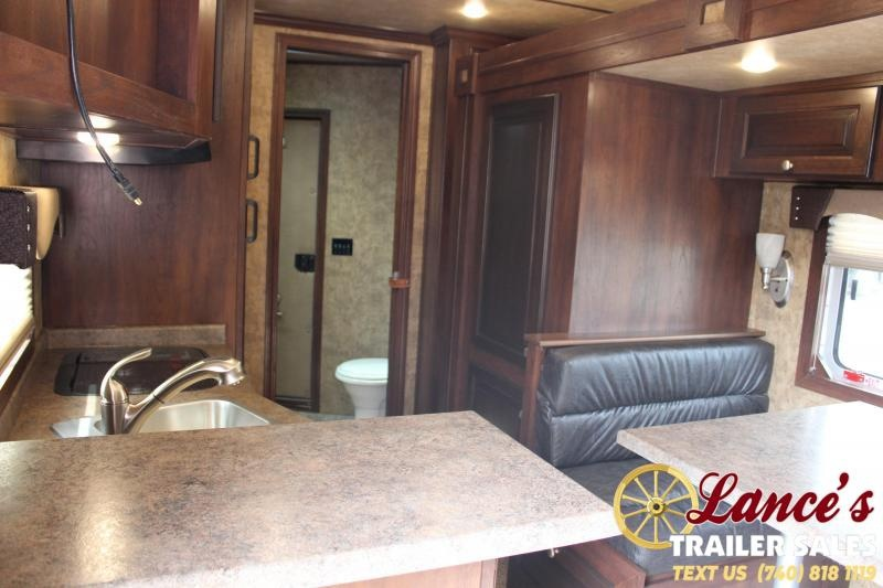 2020 Exiss Endeavor 3 Horse w/ 16' Shortwall with Living Quarters & Glide