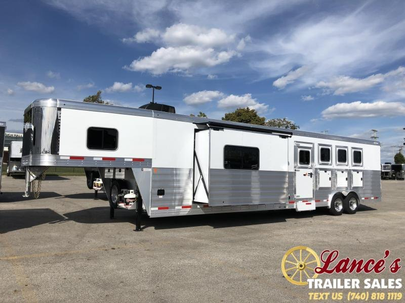 2020 Exiss Endeavor 4 Horse w/ Slide Living Quarters