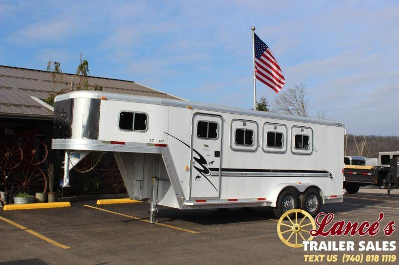 2001 Exiss 3 Horse Slant Load Trailer