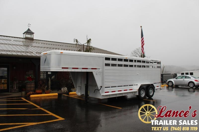 1999 Featherlite 8110 Livestock Trailer