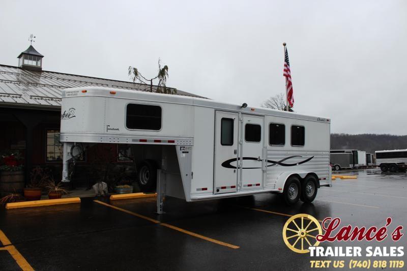 2005 Cherokee 3 HORSE SLANT LOAD Horse Trailer