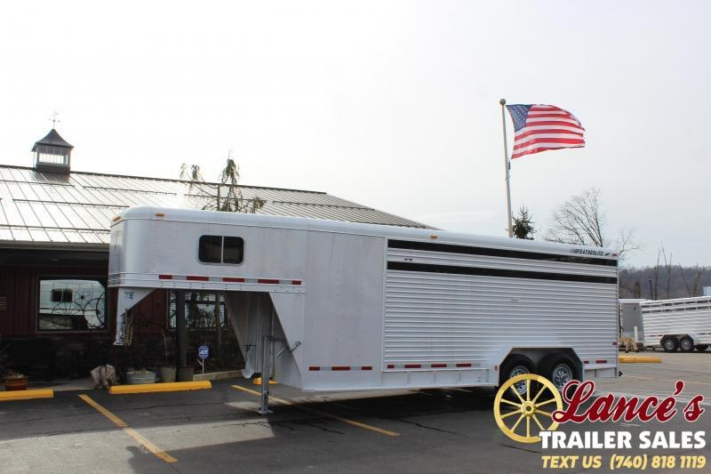 2001 Featherlite 20Ft. Livestock Trailer