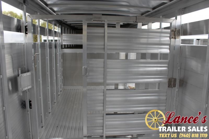 2020 Featherlite 8127-8024 Livestock Trailer