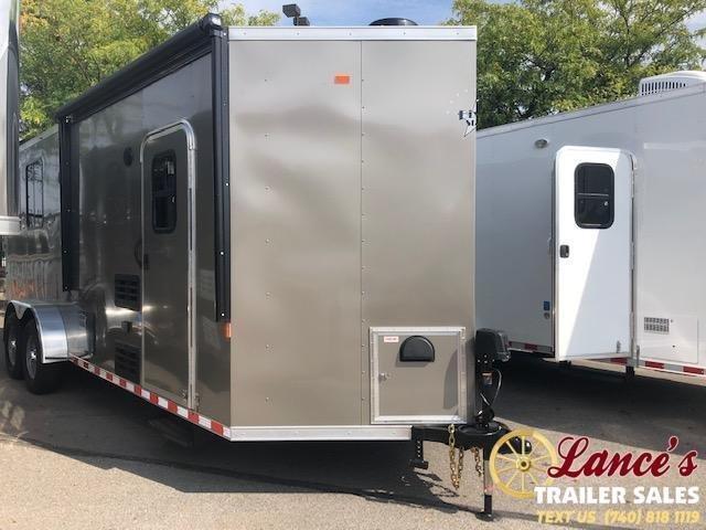 2020 Harmar 2 Horse Slant Load Living Quarters Trailer