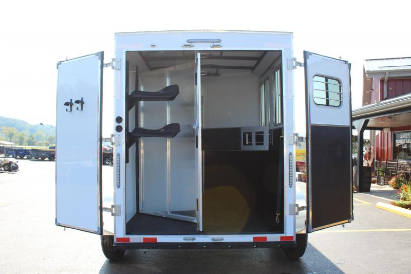 2020 2 Horse Slant Load Trailer with Living Quarters