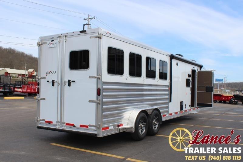 2020 Exiss Escape 4 Horse w/ Slide Living Quarters
