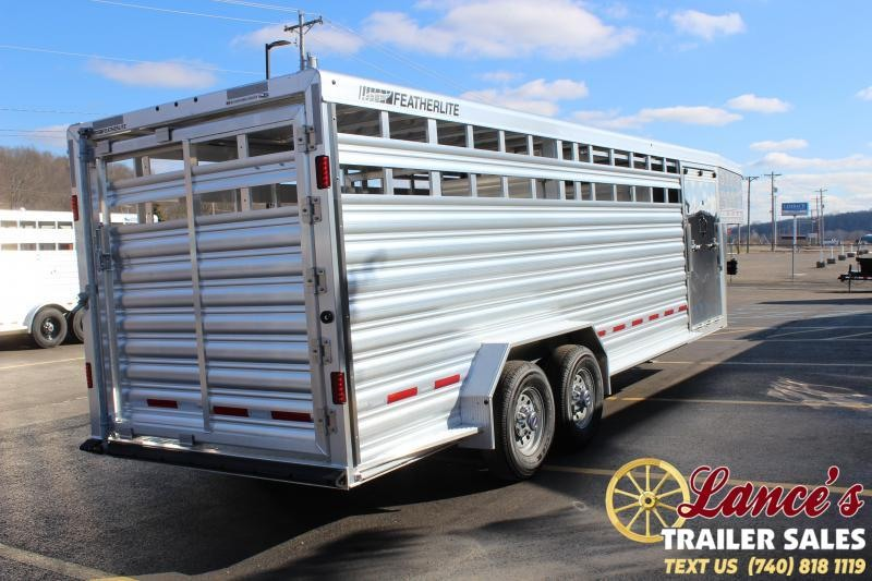 2020 Featherlite 24Ft. Show Cattle Livestock Trailer