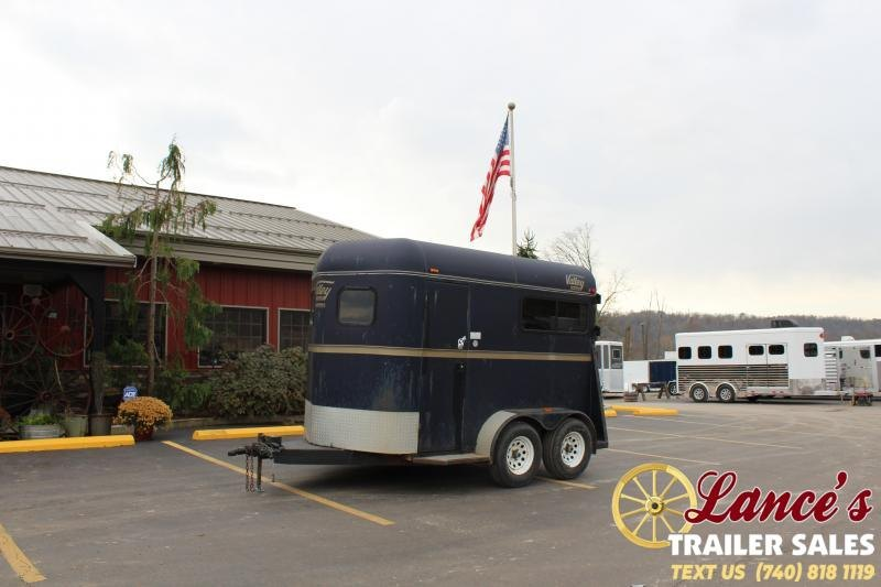 2004 Valley 2H-BP Horse Trailer