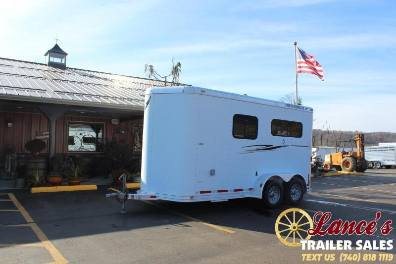 2001 Featherlite 9407 2 HORSE STRAIGHT LOAD Horse Trailer