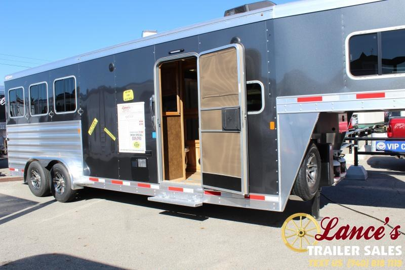 2020 Exiss Escape 3 Horse Slant Load Living Quarters